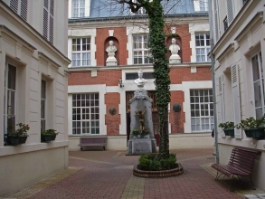 Ecole polonaise des Batignolles- visite guidée paris