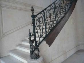 Escalier de l'hôtel de Montmort du marais des Templiers- visite guidée de paris