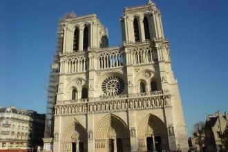 Façade de la cathédrale Notre-Dame de Paris- visite guidée paris
