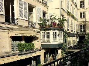 cour Mabillon à Saint-Germain-des-Prés- visite guidée paris