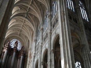 Halles-Montorgueil - Église Saint-Eustache nef - Visite guidée Paris