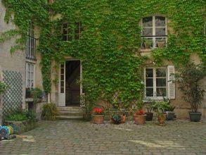 cour du petit hôtel de Bretonvilliers de l'île Saint-Louis- visite guidée paris