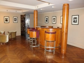 studio-Harcourt-bar