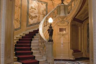 Escalier de l'hôtel de la Païva- visite guidée paris