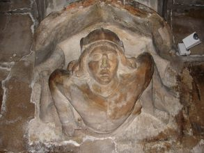 Saint-Merri - Beaubourg - Chapiteau de la crypte de Saint-Merri - Visite guidée Paris